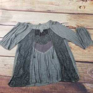 Gimmicks by BKE Space Dyed Mixed Media Top L